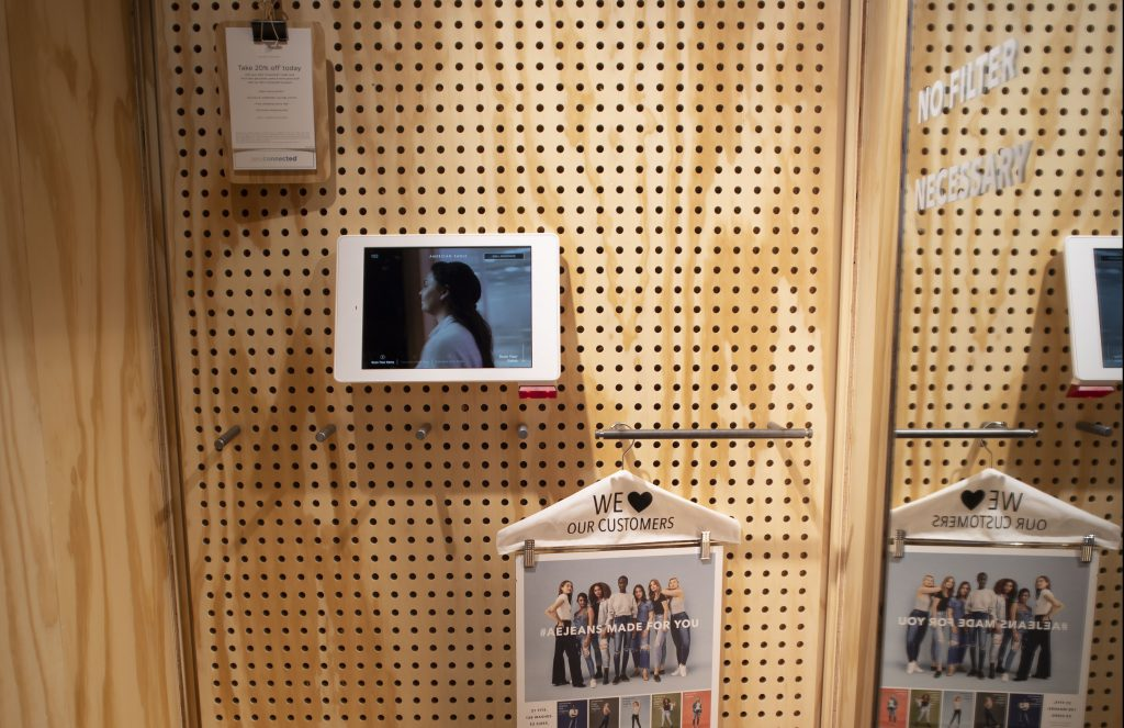 AEO Interactive Fitting Room. Courtesy of AEO Inc